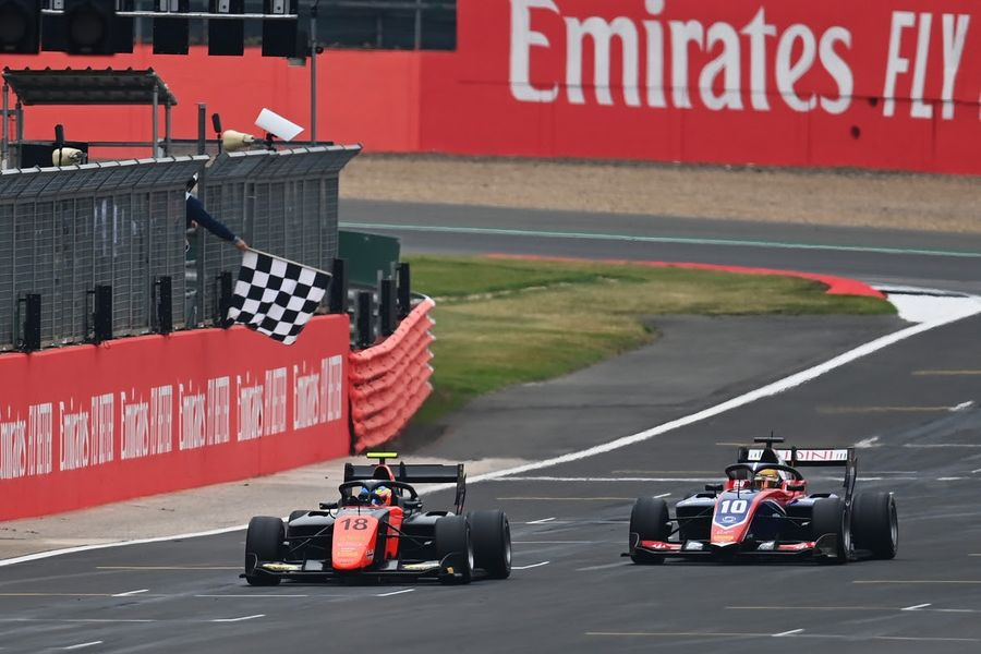 Four different winners at Silverstone F2 and F3