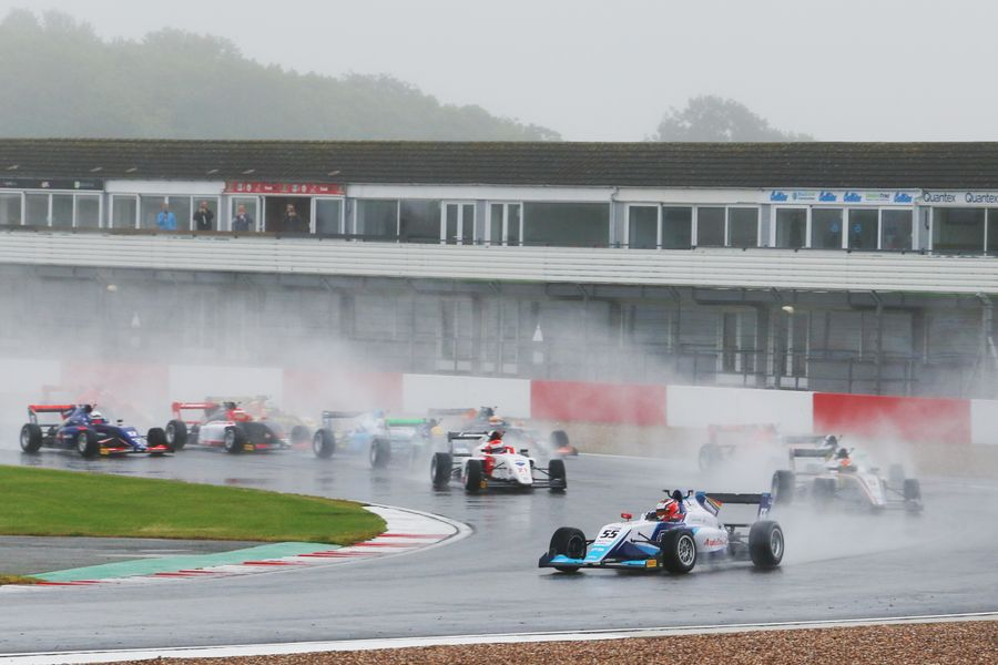 Frederick extends British F3 championship lead