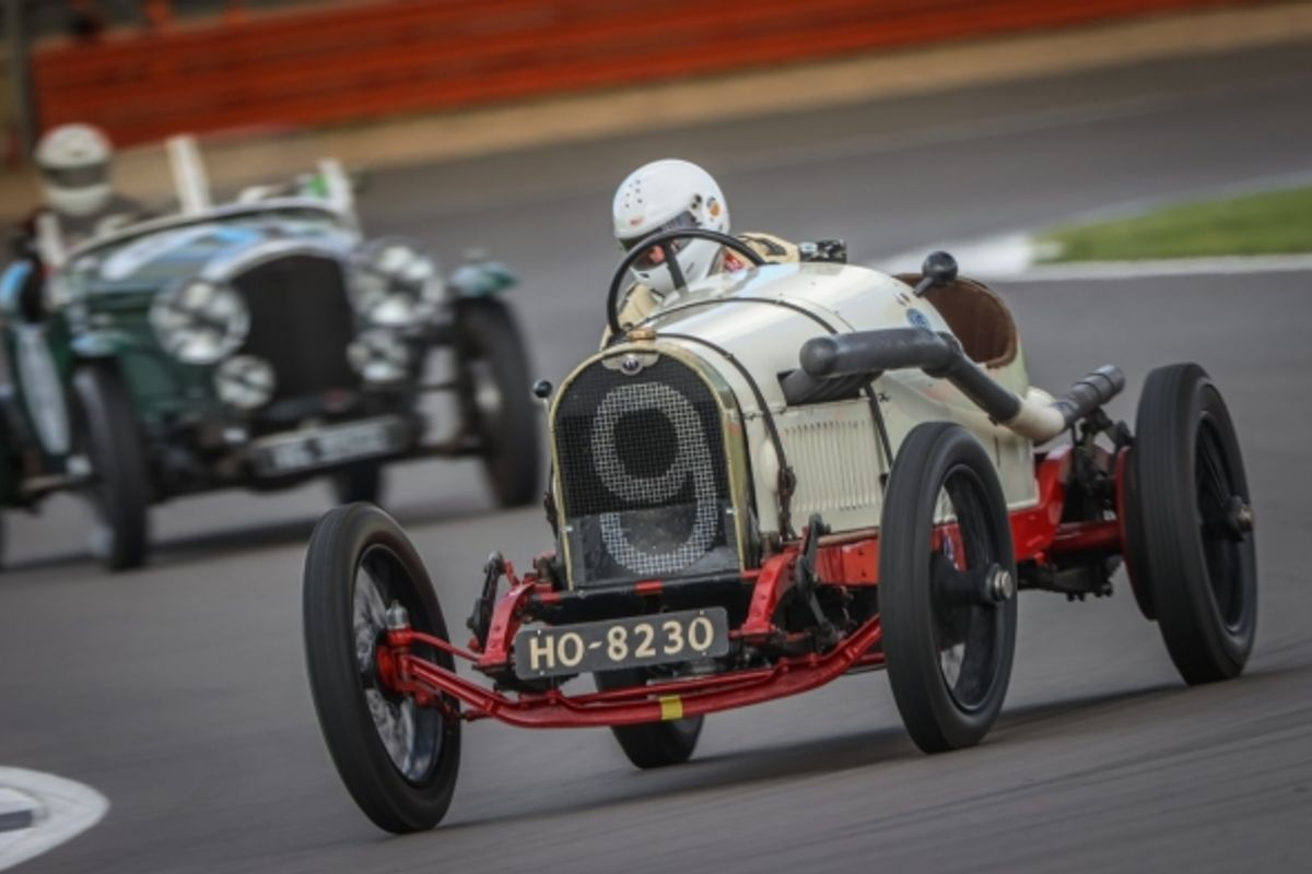 Fantastic racing for Bentley Drivers Club at Silverstone
