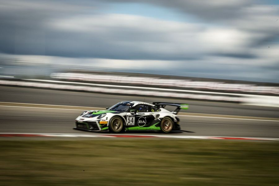 Dinamic gives Porsche home win at Nürburgring GT World Challenge