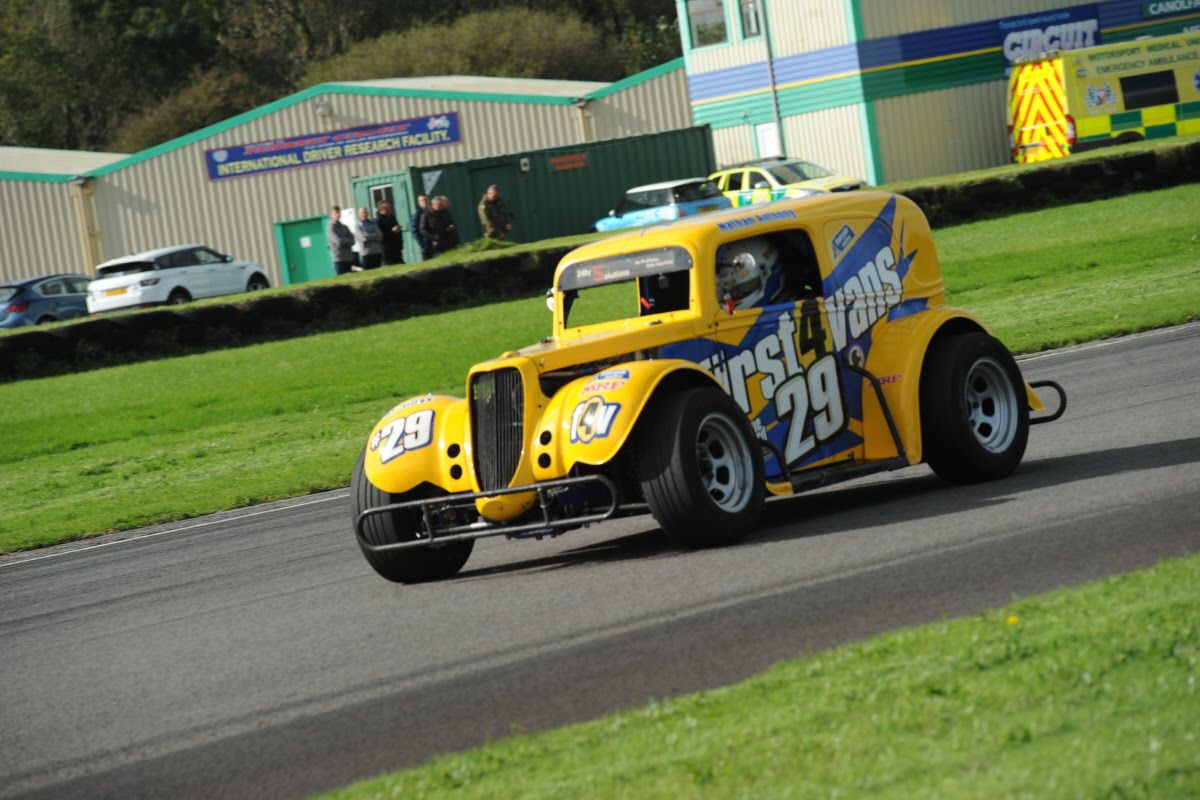 COVID-19 regs cause cancellation of Pembrey Legends rounds