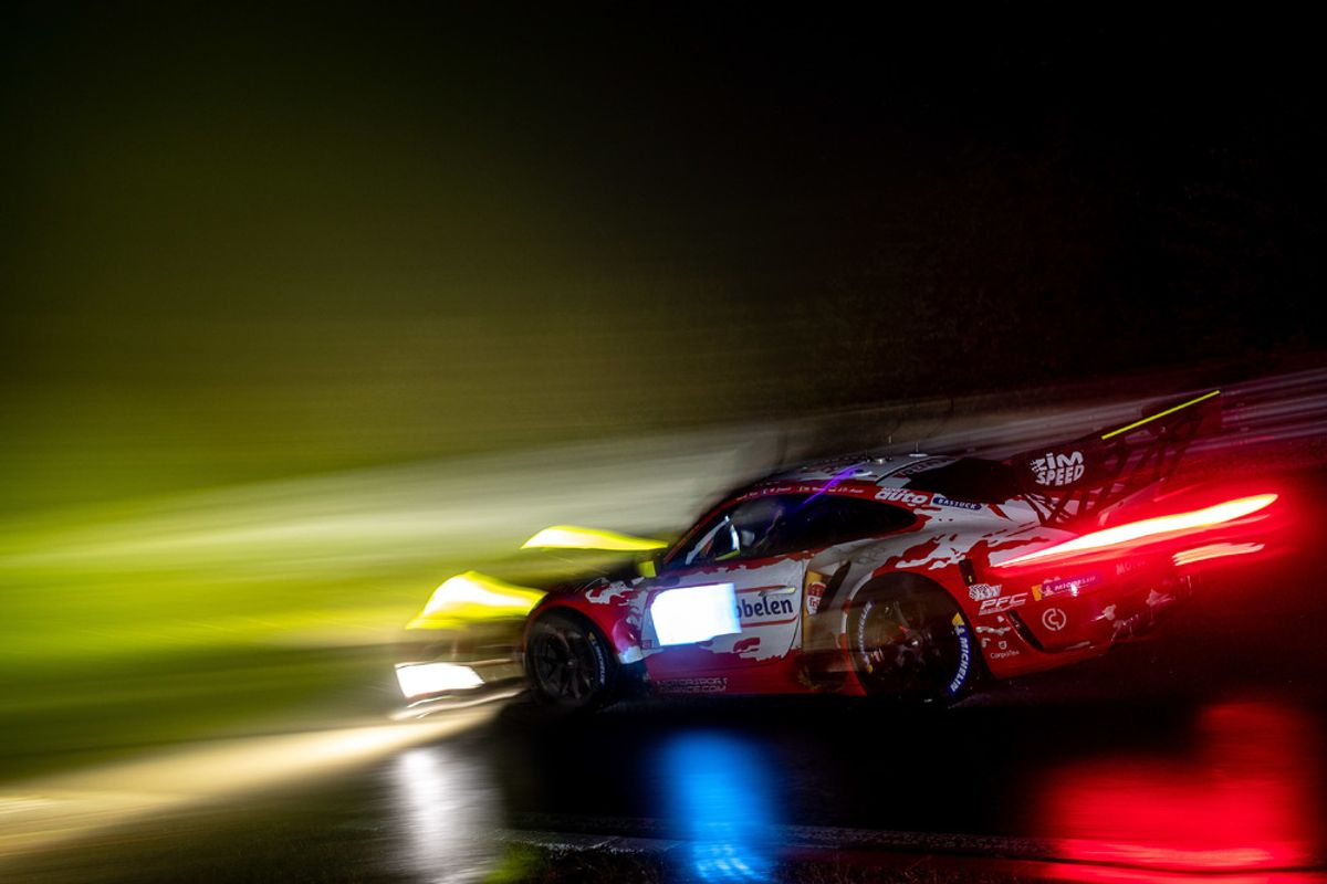 Difficult  Nürburgring 24 Hours for Porsche, race review