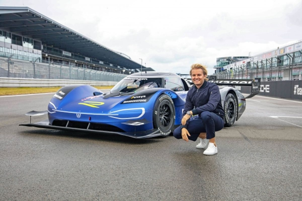 Nico Rosberg tests the Volkswagen ID.R at the Nürburgring