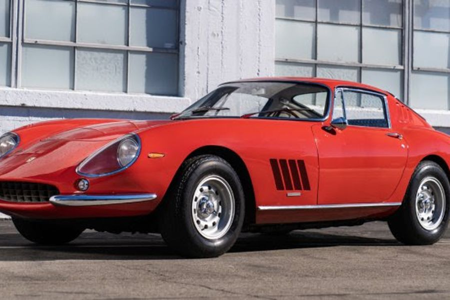 Clutch of Ferraris on offer at Goodings Scottsdale Geared Online