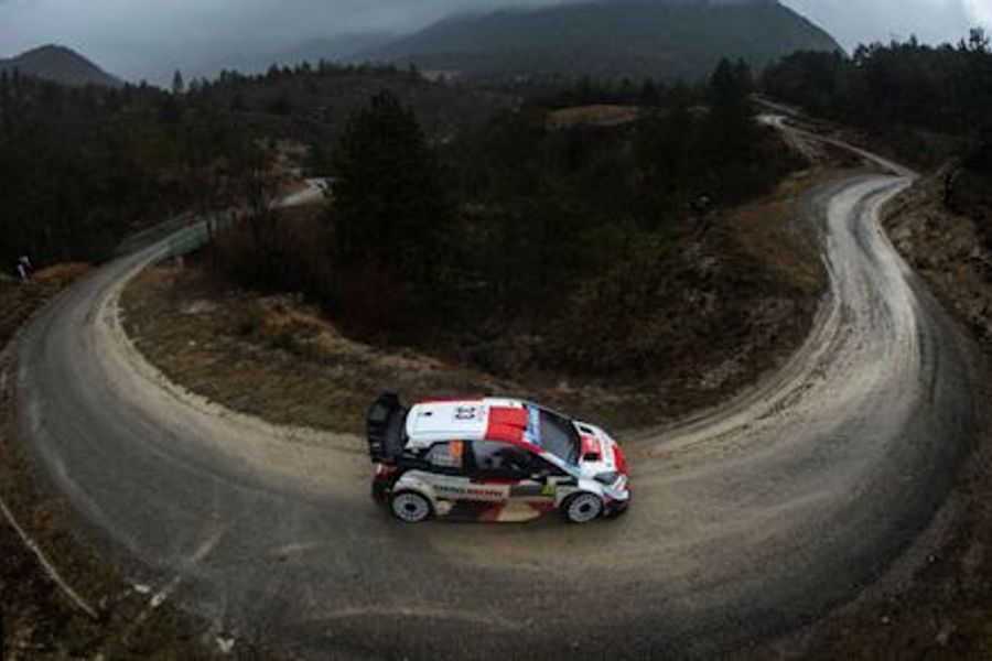 Rallye Monte-Carlo leader Evans under attack from Ogier