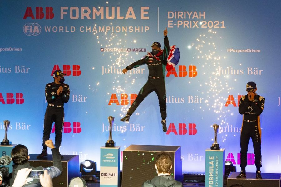 Bird takes Formula E Saudi Arabian race 2 win