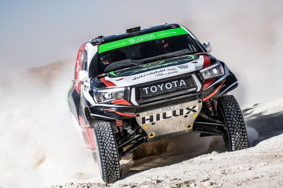 Cross-country racers go back to the dunes for Sharqiyah Int. Baja