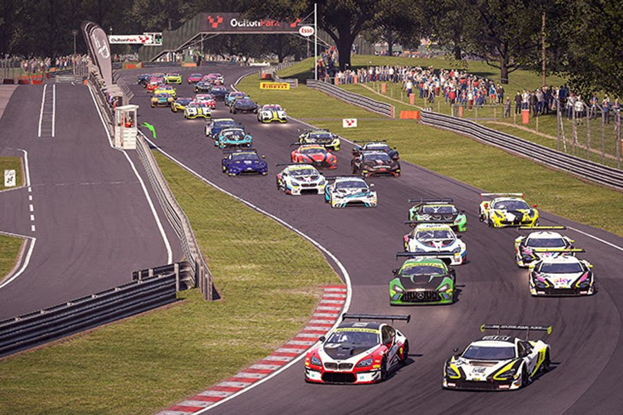 GT Esports poles and victories for Fender and Berk at Oulton