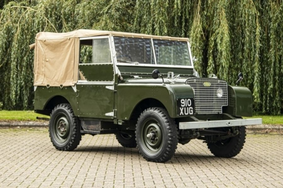 Exceptional line up of Land Rovers & Range Rovers at Classic Car Auctions