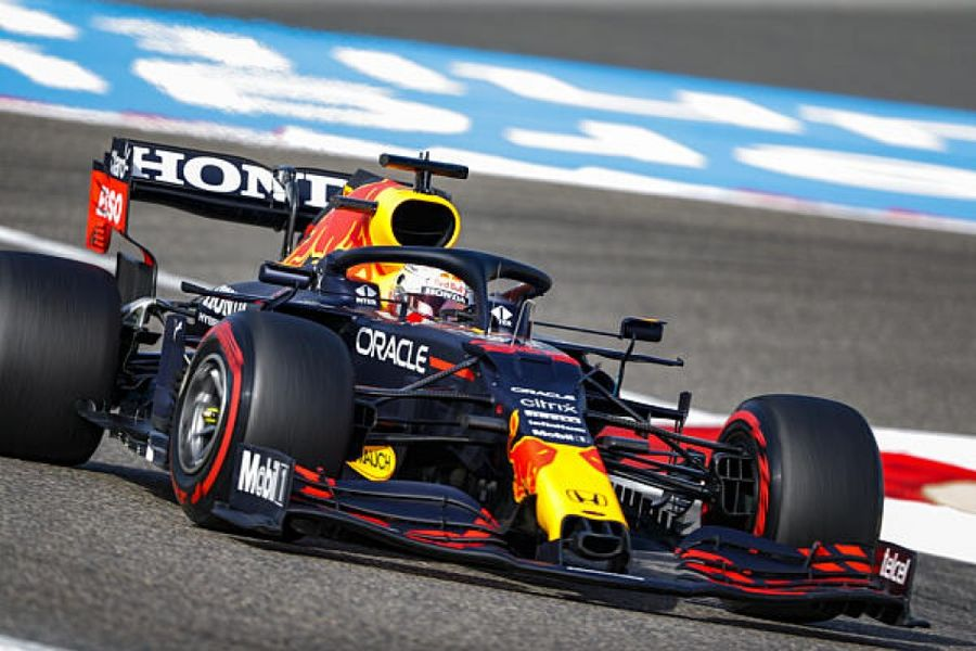 Verstappen sets the pace in Bahrain Grand Prix opening practice