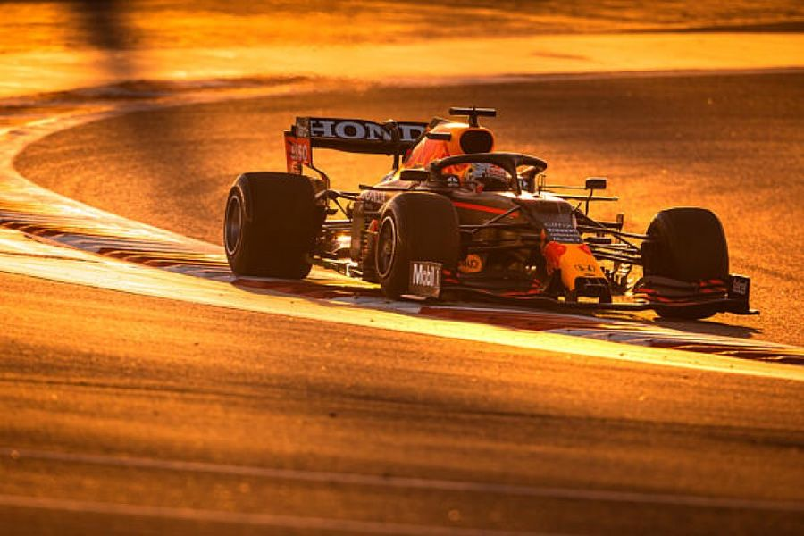 Versteppen continues to set the pace in Bahrain GP second practice