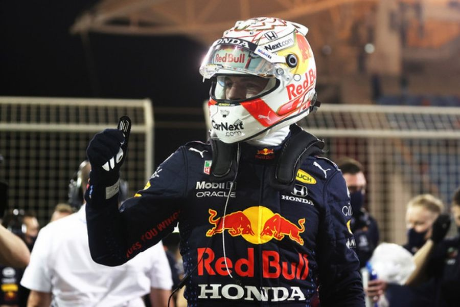Verstappen takes Bahrain pole by four tenths of a second