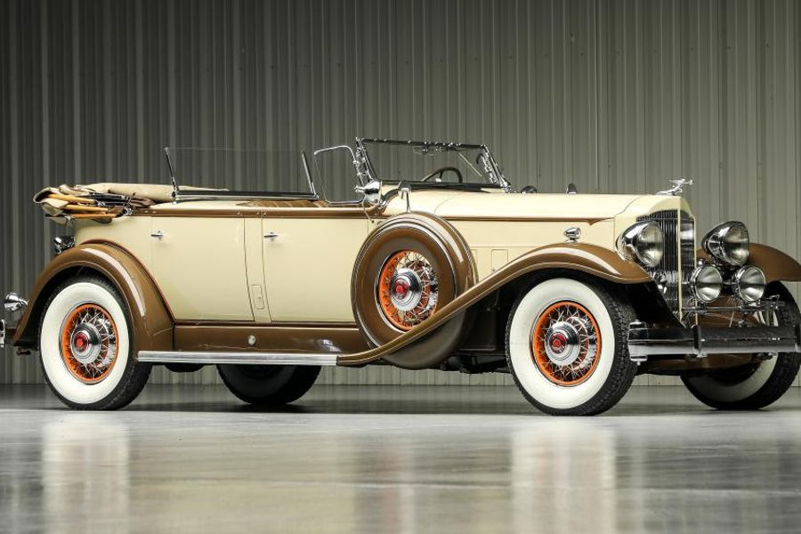 Packard passion collection selling without reserve at Worldwide Auctioneers