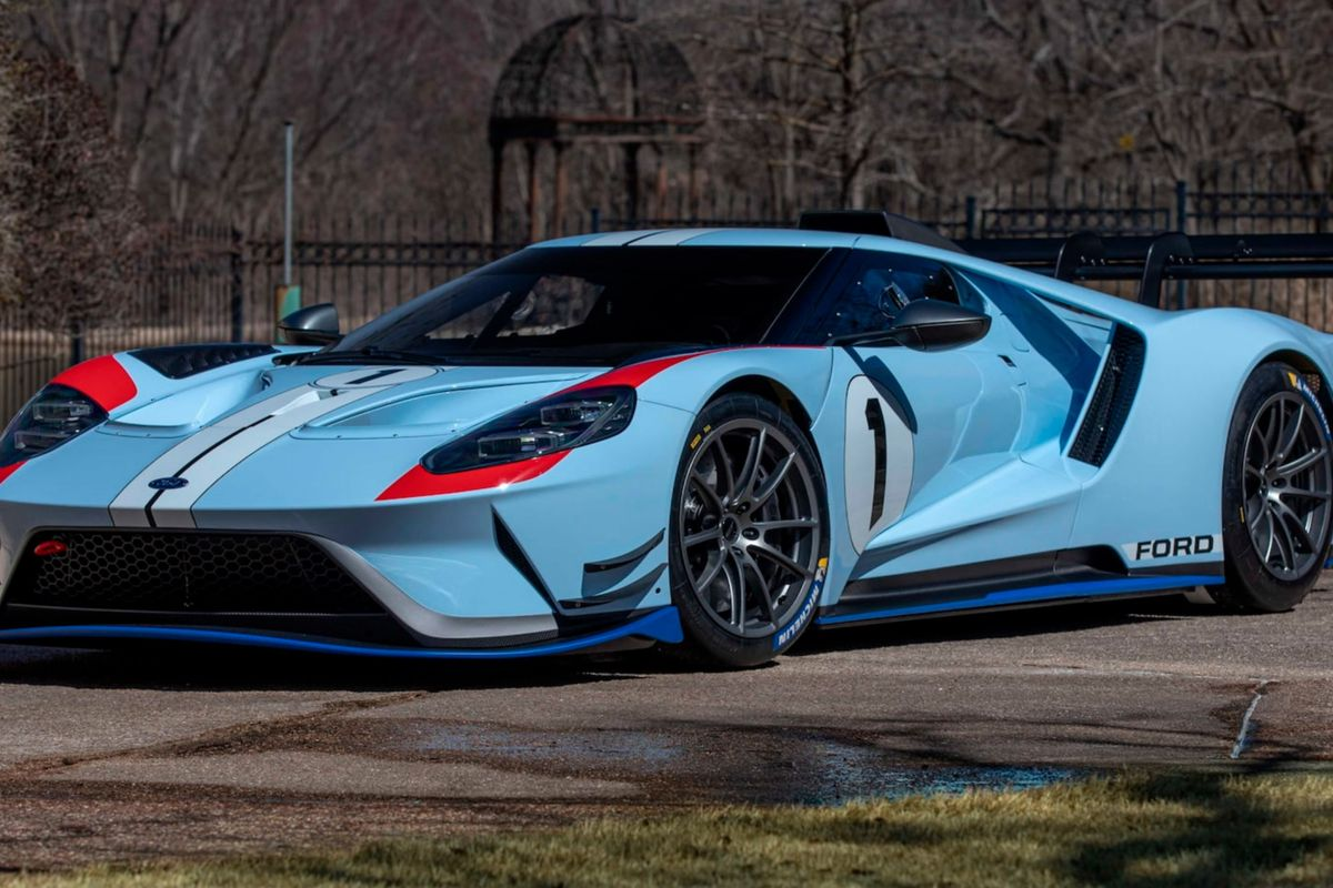 2020 Ford GT MkII in One-Off Ken Miles LeMans car livery at Mecum